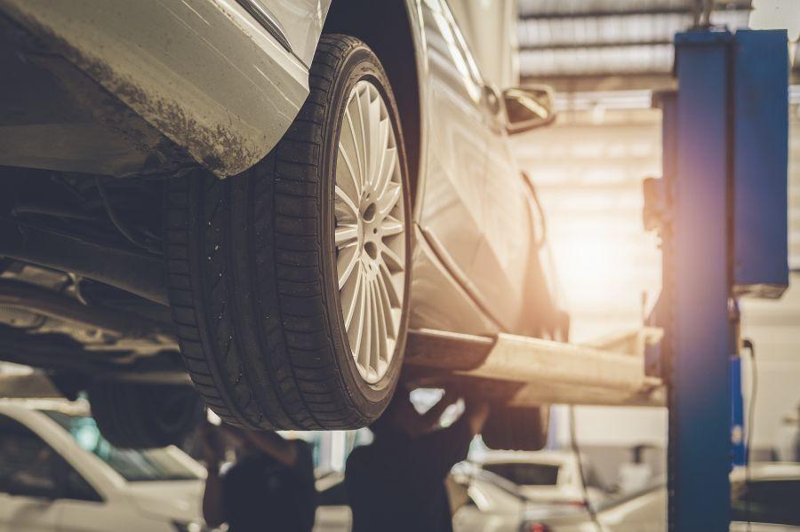 自動車整備のイメージ